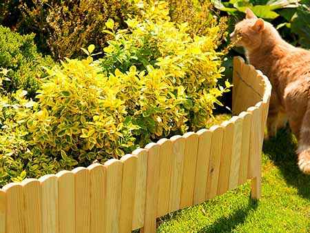 valla de madera pequeña